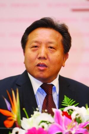 中国人民大学金融与证券研究所所长吴晓求