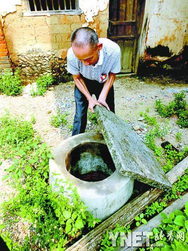 """""""自来水""""也不清洁,上坝村被荒废的水井有些又被村民重新使用"""