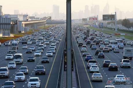 迪拜或禁止穷人拥有汽车 以缓解交通拥堵