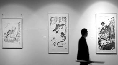 2014年,齐白石及其弟子书画作品在东京展出。(资料图片)