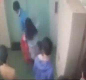 男子性侵女同事遭暴打求饶 监控记录全过程(图)