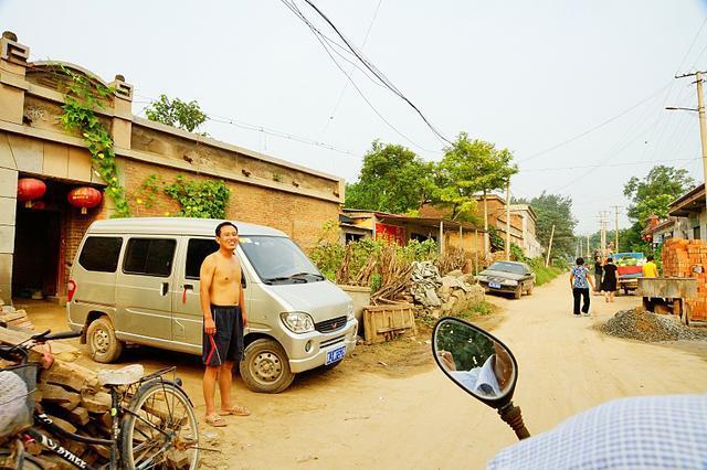 新华:农村攀比购车之风堪忧 不少有车族欠巨债