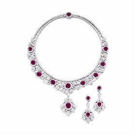香港苏富比2016春拍拍品:红宝石配钻石项链及吊耳环套装,成交价85万港元