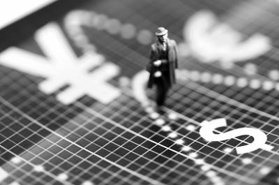 人民币双向波动海外资产配置需慎重