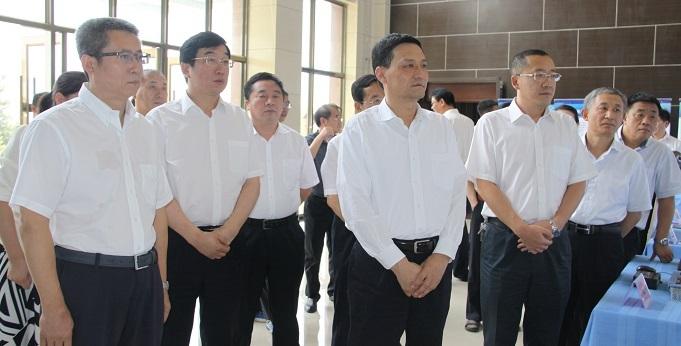 肖亚庆赴内蒙古调研并主持召开国企改革座谈会