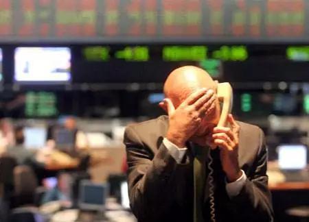 侠客岛:中长期来看A股不存在持续下跌的基础