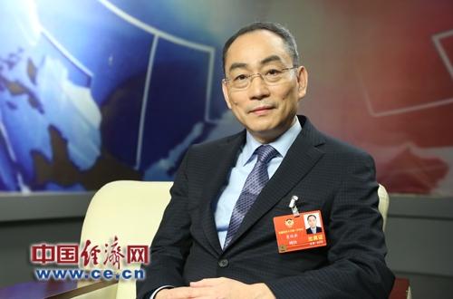 詹纯新:企业家精神是家国情怀、创新和敬畏之心