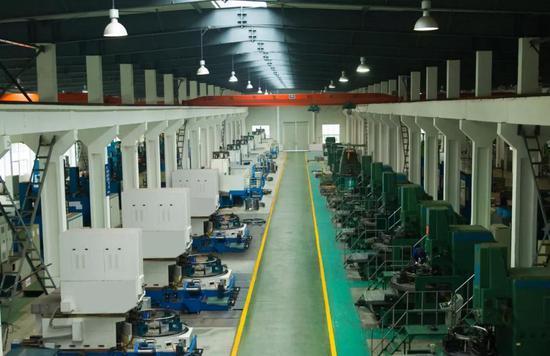 ▲ 方圆支承精密级回转支承生产线。