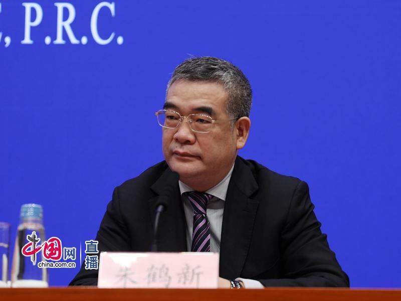 央行副行长朱鹤新:金融风险总体收敛宏观杠杆率保持稳定