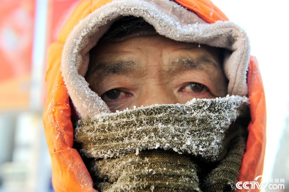 探访极寒天气下的环卫工人