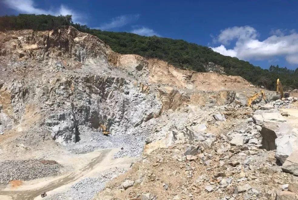 停产整改成一纸空文 海南东方市矿山生态依然破坏严重