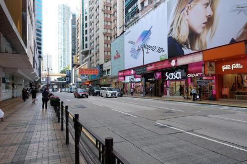 资料图:香港街头游客稀少。图片来源:香港《大公报》