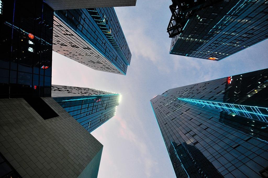 楼市再退烧:商品房销售面积再降 地产开发投资增速放缓