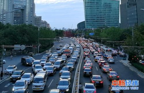 三车企召回逾7.7万辆汽车 宝马、奔驰在列