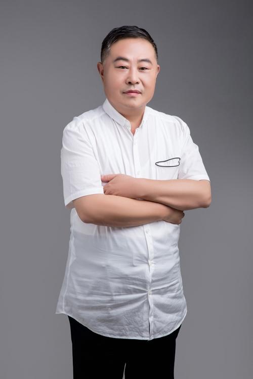 "<b>老乡鸡集团董事长束从轩:中式餐饮应联合打造""国家品牌"",走出国门、走向世界</b>"