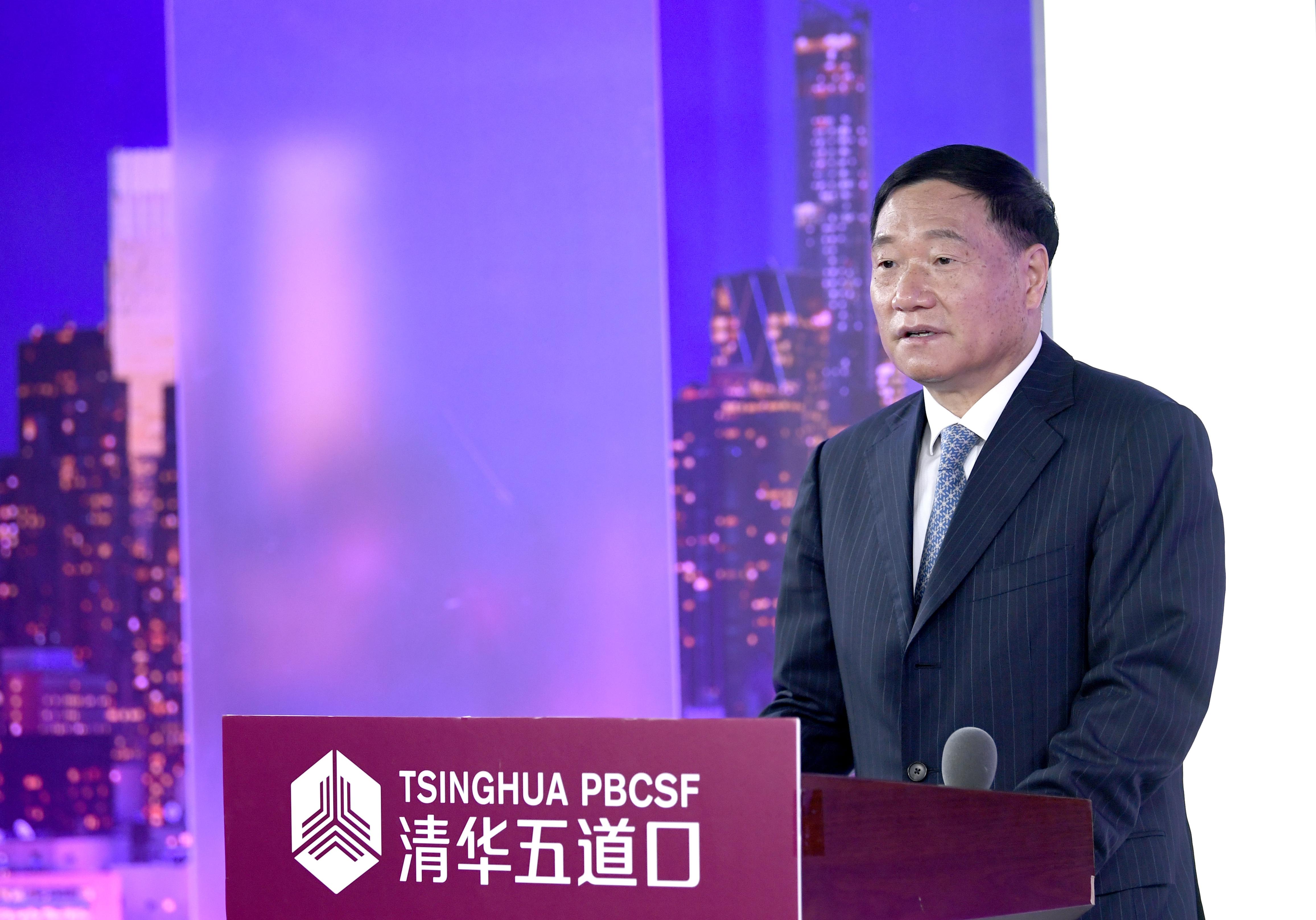 肖钢:具有超大规模的市场潜力是中国应对疫情的独特优势
