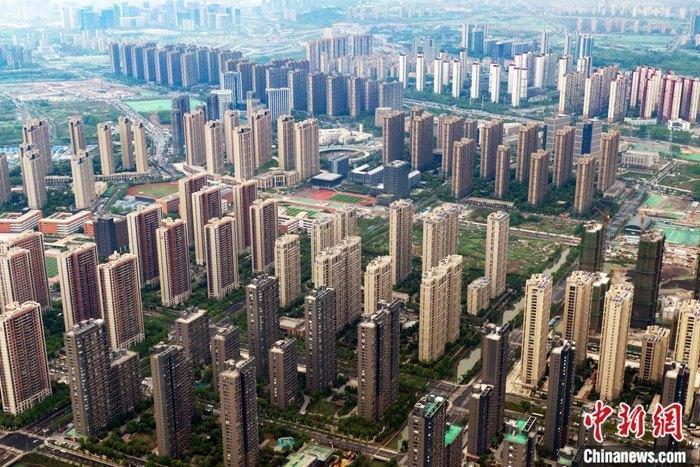 资料图:航拍南京雨花台区一处楼盘。中新社记者 泱波 摄