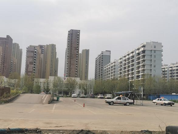 合肥新站高新区土地闲置乱象:多家高科技企业厂区变身驾校、菜园