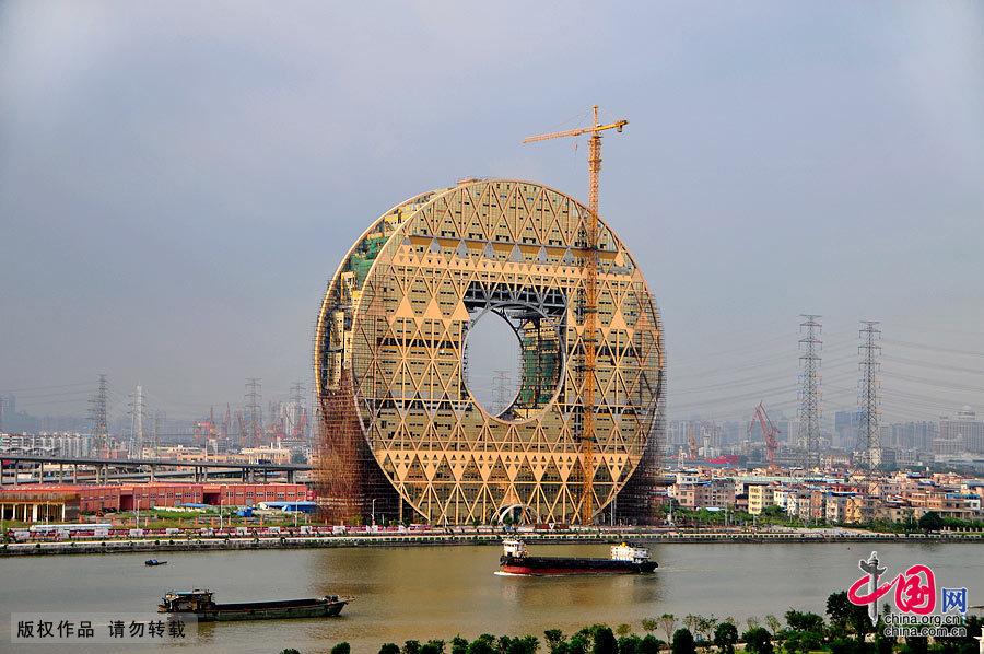 """广州""""铜钱大楼""""即将竣工 曾被指暴发户心态"""
