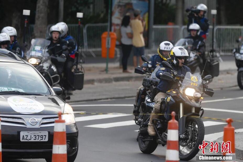 奥运前夕 里约街头的炫酷骑警帅气十足