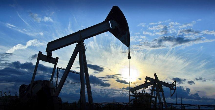 """价格重挫引减产预期 原油""""黄金坑""""隐现"""