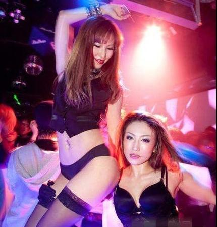 日本女白领疯狂夜生活