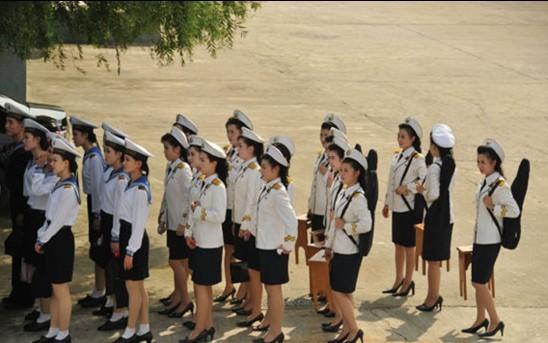 朝鲜文工团外表女人很诱人靓丽性感的女兵图片清纯图片