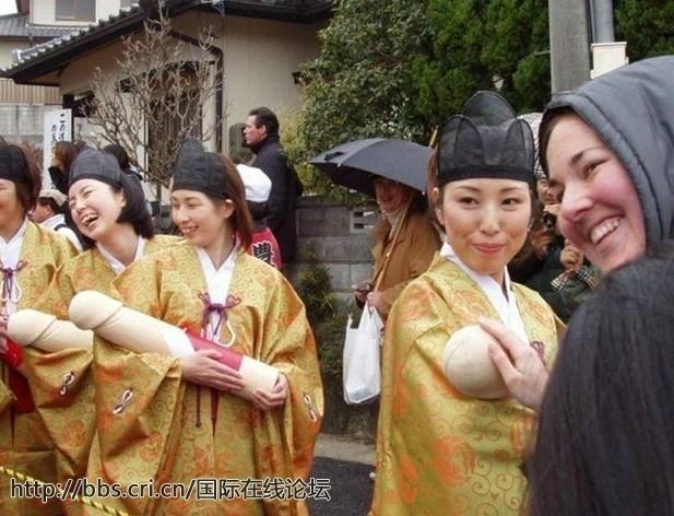 日本露穴大但人体艺术_围观日本最昂贵的人体寿司宴 一顿超100万