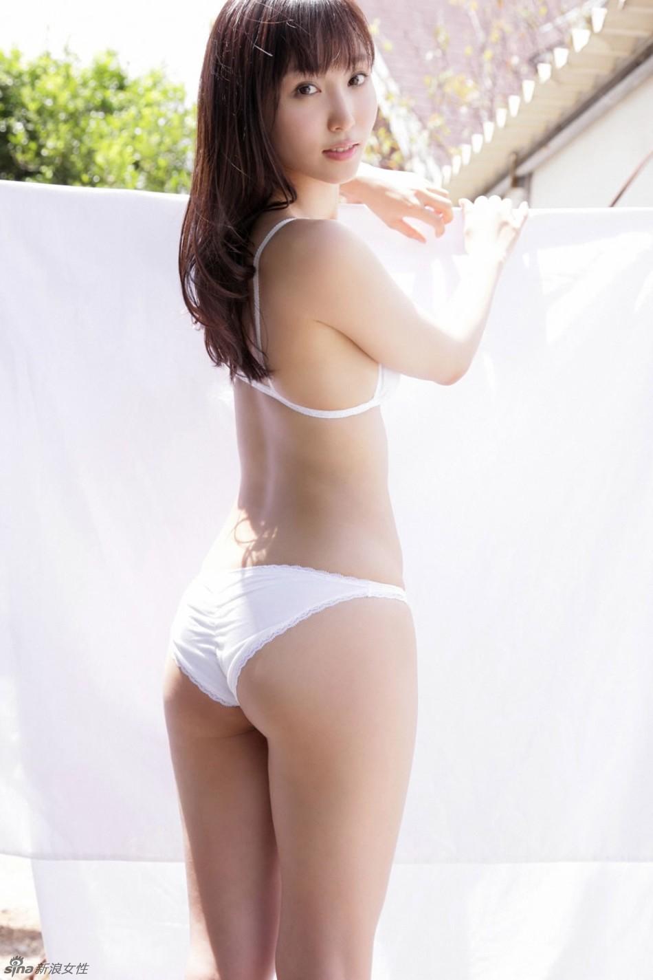 日本宅男女神吉木梨纱裸体写真