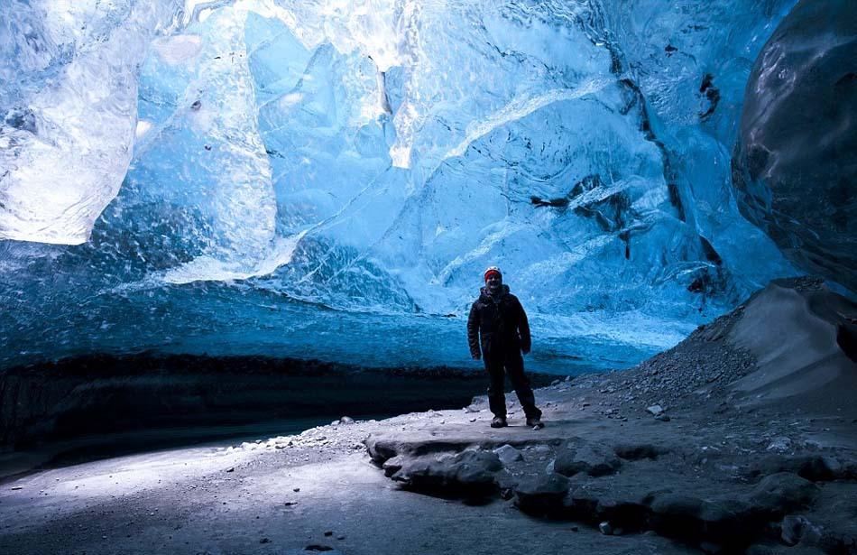 英�yf����(K�ny��K�_英摄影师拍摄冰岛冰洞奇景 壮美如蓝色水晶宫(高清组图)