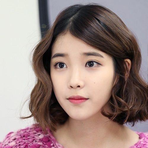 【漂亮男人—iu】 剪去长发的iu妹妹在剧中以清新的韩系短烫发出现图片