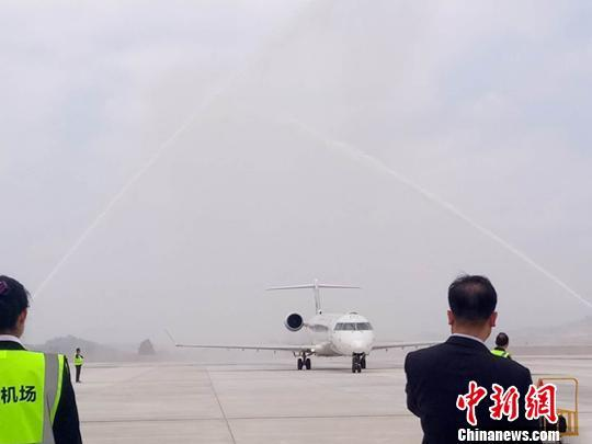 甘肃陇南机场正式通航 助推融入中新南向通道建设图片 14341 540x405
