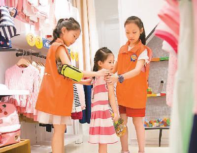 中國服裝銷量一年減少178.5億件 時尚變革加速行業細分